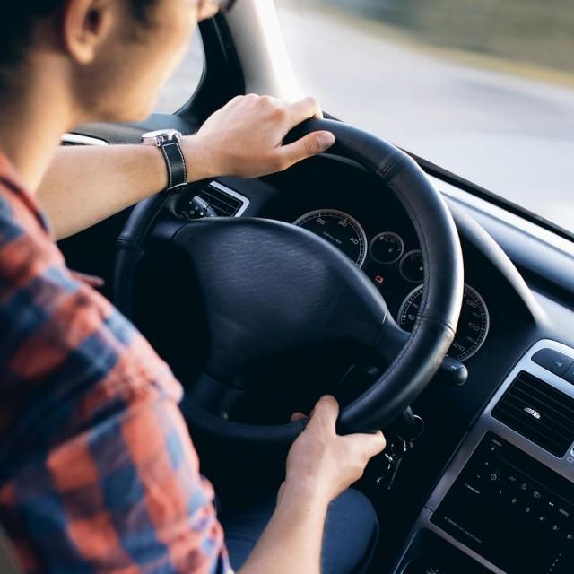 Apprendre en ligne pour réussir son permis de conduire